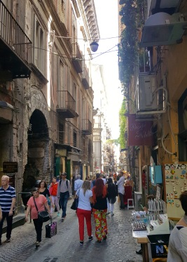 Discovering Naples' cute side streets