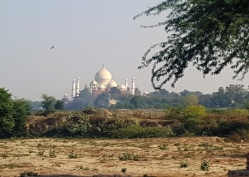 First glimpse of the Taj Mahal!